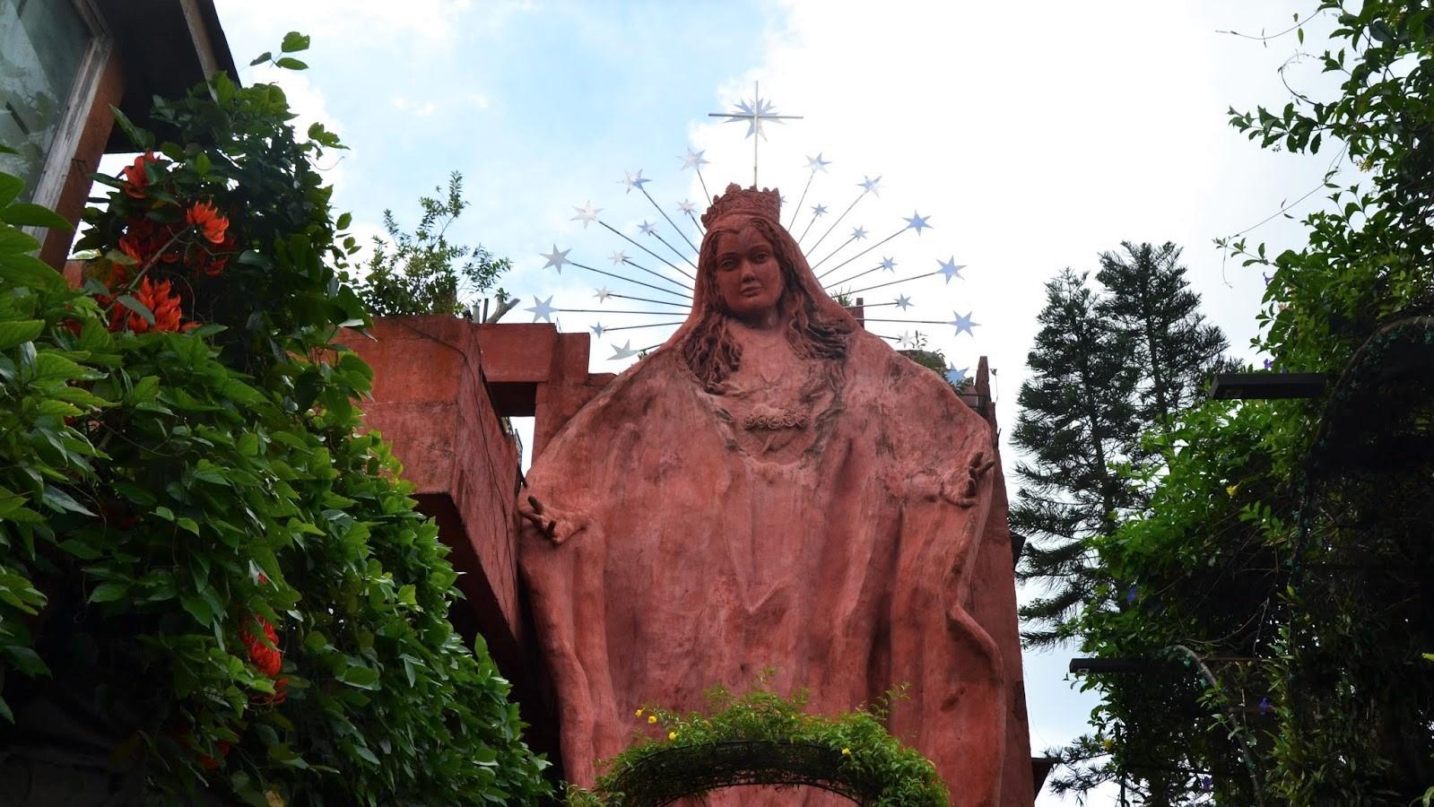 Tierra de Maria statue of Mary in Tagaytay