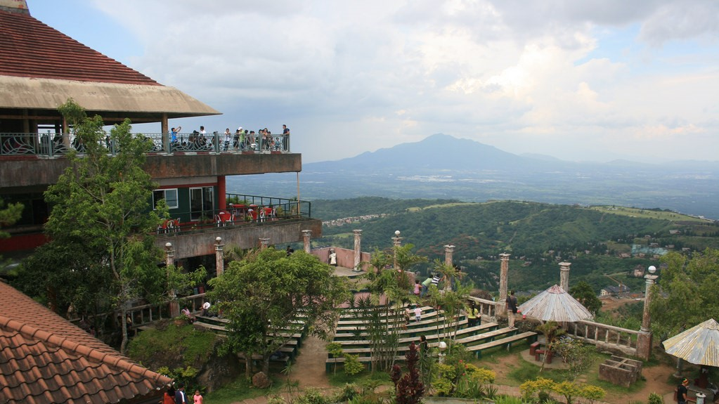 Tagaytay ariel view from People's Park in The Sky, Tagaytay